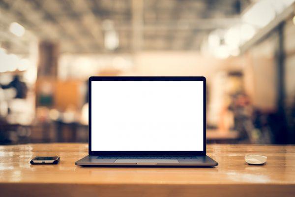Laptop sau PC. Ce aleg pentru birou?